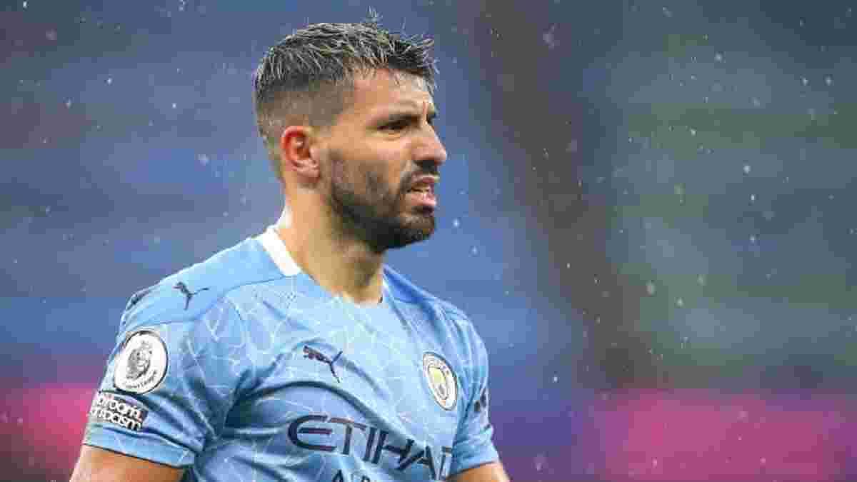 """Агуэро обиделся на игроков Манчестер Сити – форвард не хотел праздновать победу с """"жадными"""" партнерами"""