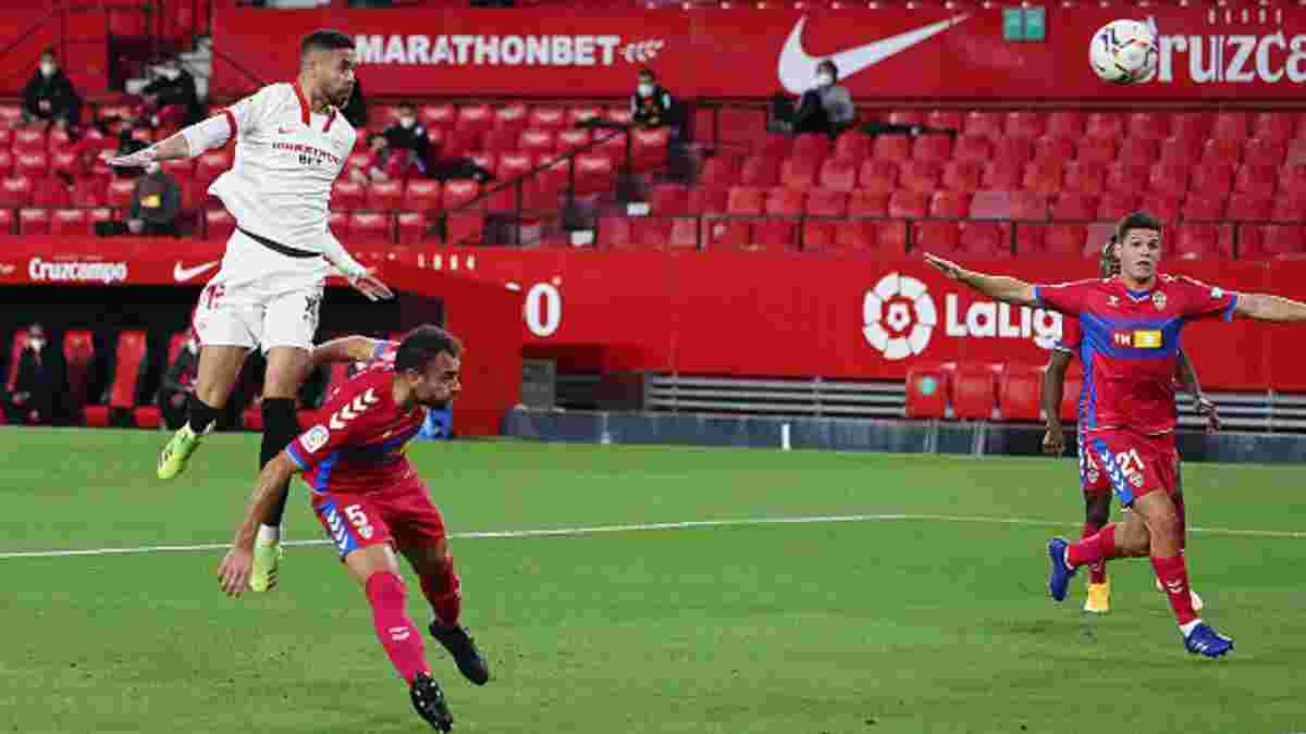 Севилья минимально одолела Эльче – подопечные Лопетеги подобрались к Реалу на расстояние в три пункта