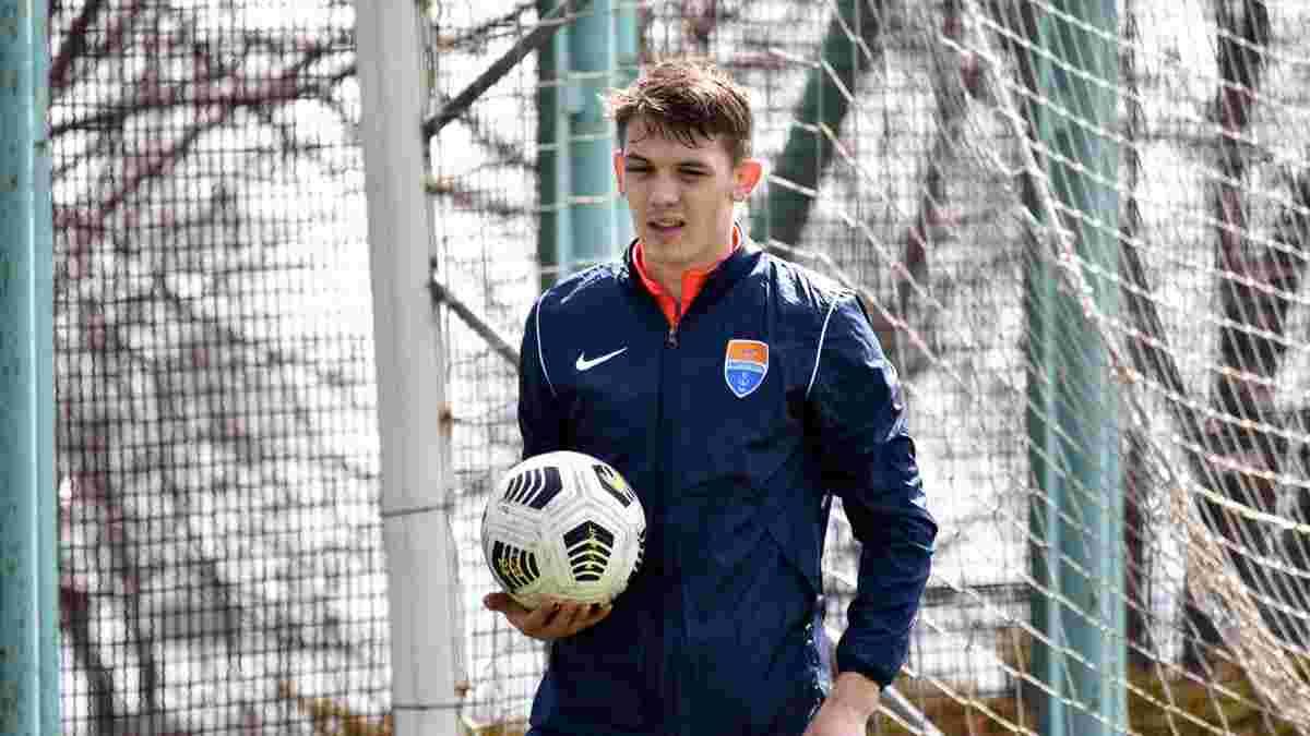 Сикан вернулся к тренировкам Мариуполя после самой сложной травмы в карьере