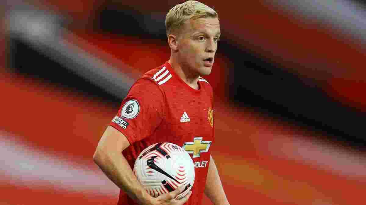 """""""Он думал, что стал большим мальчиком"""": ван Бастен озвучил главную проблему ван де Беека в Манчестер Юнайтед"""