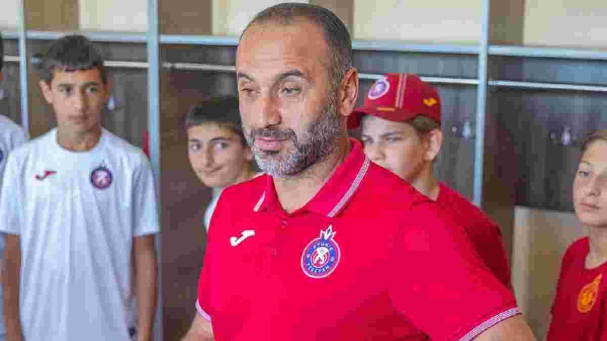 Экс-тренер Львова избил российского футболиста в аэропорту