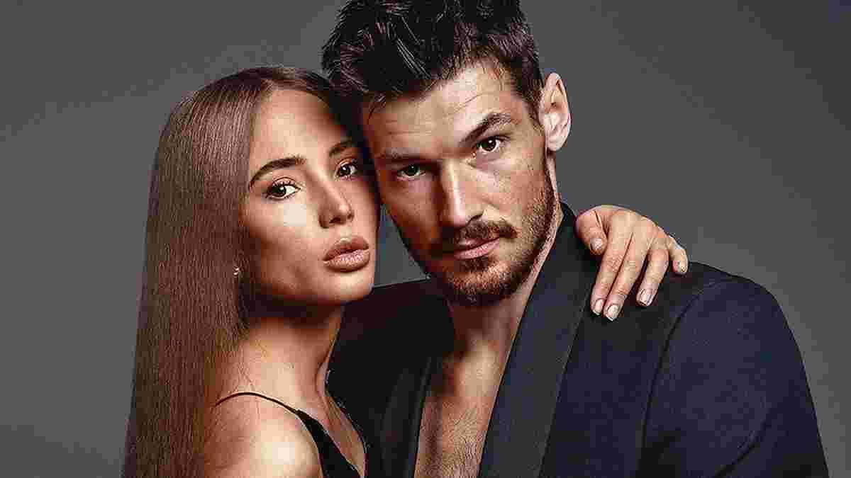Бойко сделал стильное фото с женой в прозрачном платье