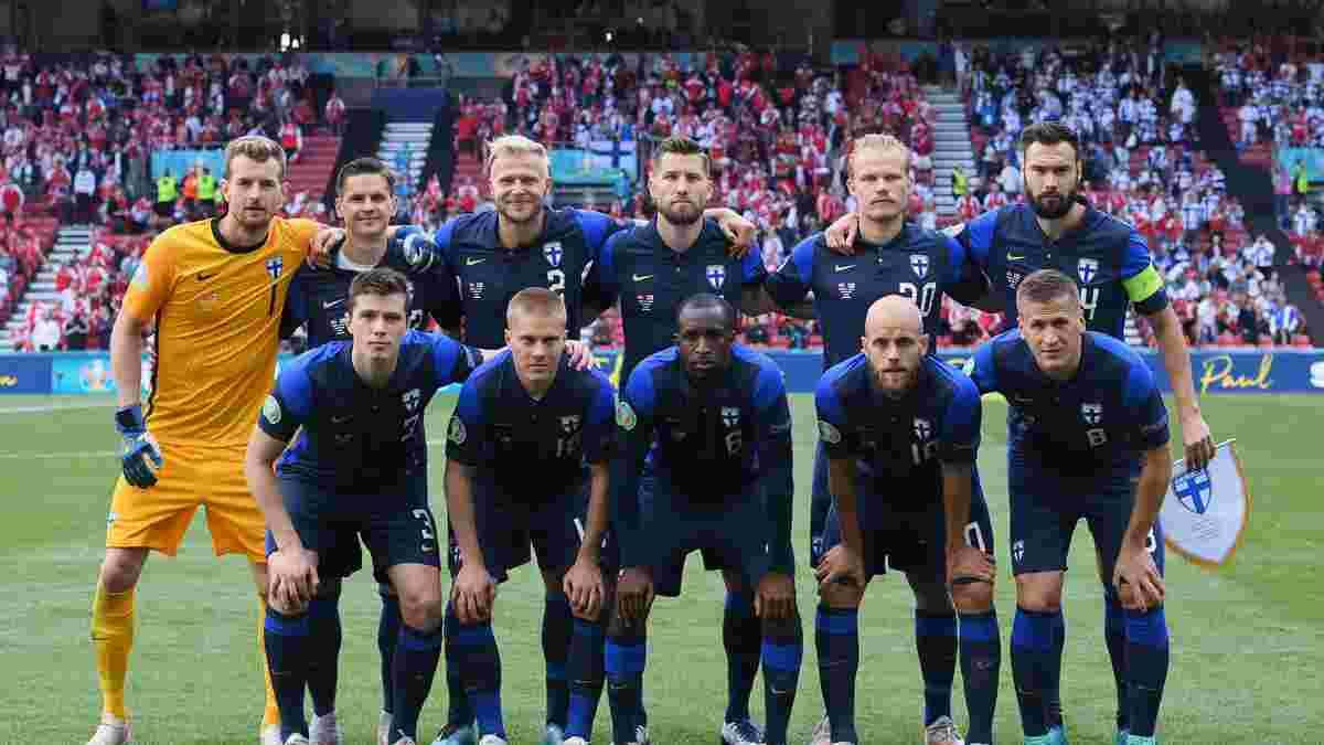Гравці збірної Фінляндії оплесками зустріли Данію перед дограванням матчу Євро-2020