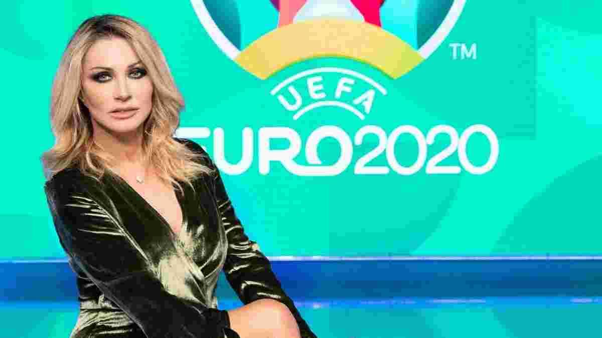 """""""Основной инстинкт"""" – итальянская телеведущая воспроизвела на Евро самый эротичный эпизод 90-х"""