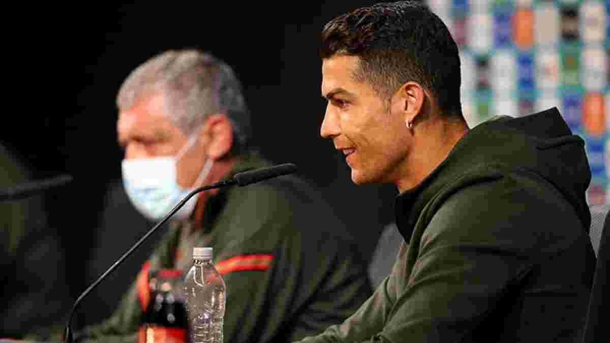 УЕФА разрешил футболистам убирать бутылки на пресс-конференциях при одном условии