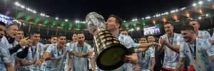 Игроки сборной Аргентины яркими танцами отпраздновали победу на Копа Америка-2021 – Месси не расставался с трофеем