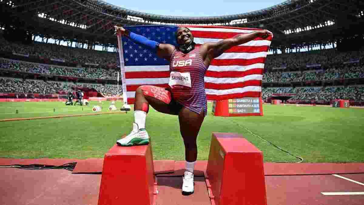 """""""Я была молодым, черным и геем"""": американская серебряная призерка вызвала ажиотаж на Олимпиаде"""