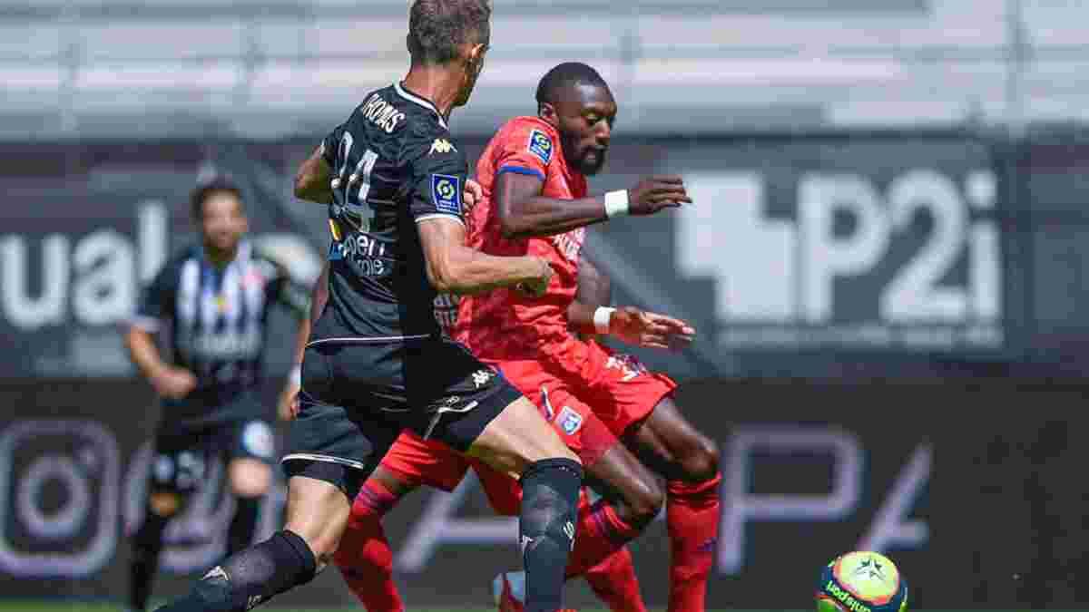 Лига 1: Лион сгорел неожиданному лидеру, Труа без Кухаревича проиграл сенсации, Марсель упустил победу над Бордо