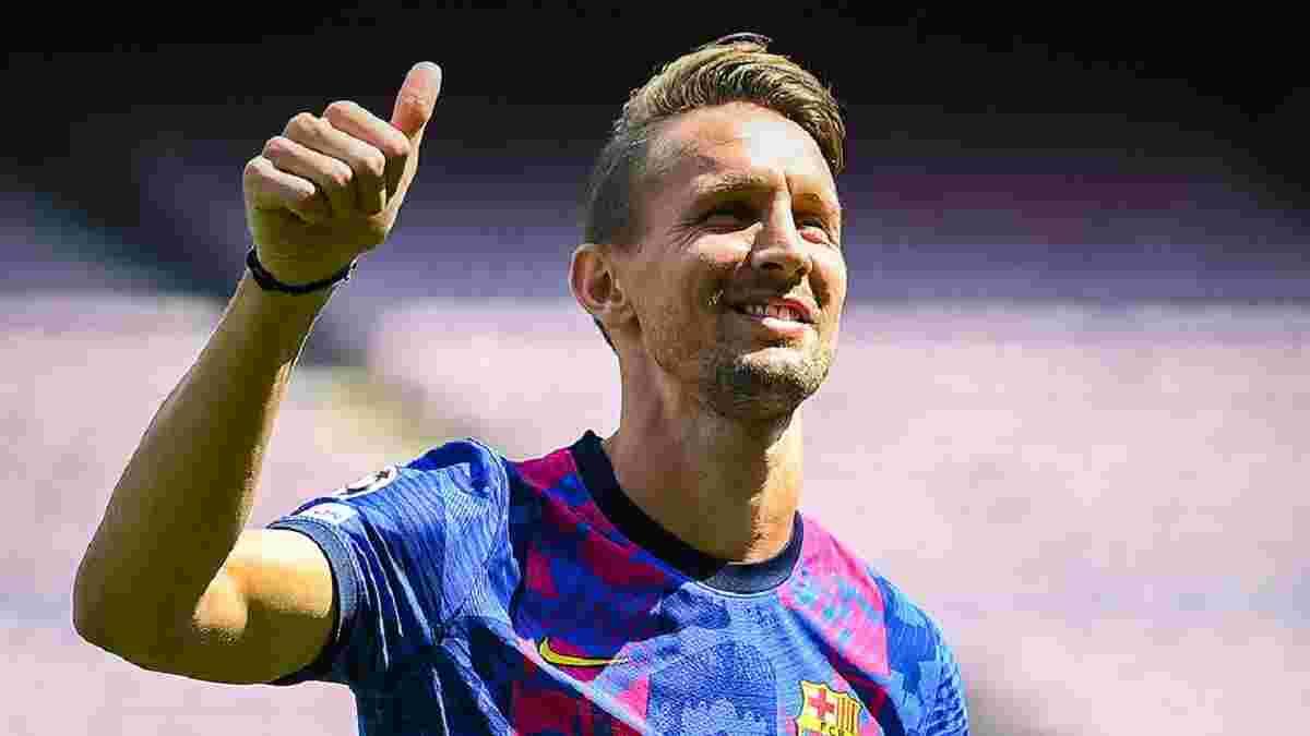 "Де Йонг показал ""деревянную"" технику на презентации в Барселоне – видео смешного набивания мяча"