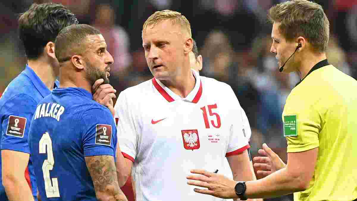 Глик незаметно ущипнул Уокера, спровоцировав расистский скандал – ФИФА уже вмешалась