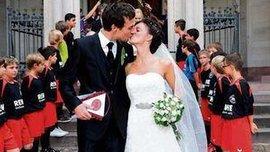 Если футболист, то не беги со свадьбы!