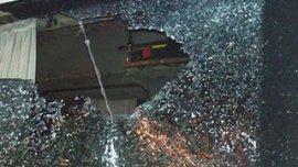 """Хулиганы разбили стекло в автобусе """"Шальке"""""""