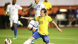 "У ""Дніпра"" нема серця, а ""шахтар"" Бернард забиває за Бразилію"