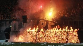 Финал Кубка Болгарии: фанаты подожгли стадион. ВИДЕО