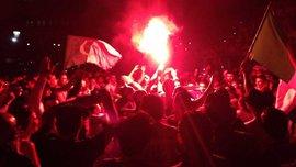 Фаєр-шоу від алжирців після голу в ворота Росії. ВІДЕО