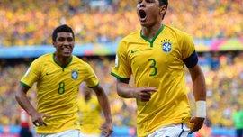 Боевой дух бразильцы поддерживают просмотром боев. ВИДЕО
