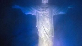 Статуя Христа у Ріо засяє кольорами одного з фіналістів