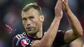Игроки сборной России отметили выход на Евро-2016 мегапьянкой (ВИДЕО)