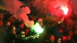 Фанаты устроили пиротехническое шоу на матче Украина - Словения (ВИДЕО)