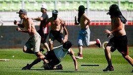 В Чилі скасували матч через неймовірну бійку фанатів (ВІДЕО)