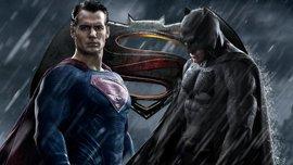 """Появилась футбольная пародия на фильм """"Бэтмен против Супермена"""""""