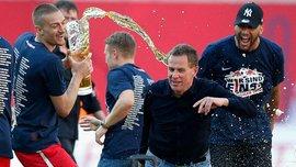 """Как наставник """"РБ Лейпциг"""" серьезно травмировался, убегая от игрока с пивом"""