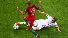 Лидер сборной Исландии признался, что чуть не потерял голос во время матча с Португалией