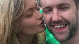 Как сотни фанатов Ирландии спели серенаду для шокированной девушки на Евро-2016