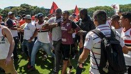 """Фанаты избили звезд """"Сан-Паулу"""" и обокрали тренировочную базу клуба –  появилось видео"""