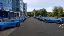 """Звезды """"Лестера"""" отдали свои синие подарочные BMW на перекрашивание Хэрвуду, ведь не могли определить, где чье авто"""