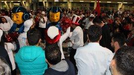 Туреччина – Україна: Як фанати розважаються перед матчем біля стадіону в Коньї