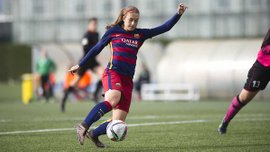 """Футболістка """"Барселони"""" забила божевільний гол, обійшовши 6 суперниць з центра поля і порвавши Піке"""