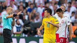 УЕФА отстранил судью матча соперников сборной Украины по желтую карточку вместо красной