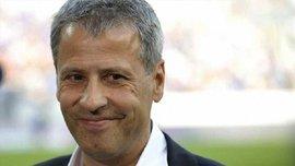 """Тренер """"Ніцци"""" не дозволив своєму футболісту спілкуватися з пресою, забравши від журналістів"""