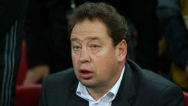 """Слуцький облаяв фанатів і поліз битись на трибуни після матчу з """"Тоттенхемом"""""""