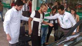 """Як вцілілий захисник """"Шапекоенсе"""" заплакав на першій прес-конференції після авіакатастрофи"""