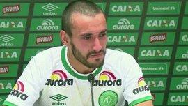 """Защитник """"Шапекоэнсе"""": Директор клуба просил меня пересесть вперед, а я не хотел"""