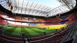"""На легендарном стадионе """"Аякса"""" заменят разноцветные сиденья"""