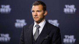 Шевченко вручил бразильцу Фалькао награду ФИФА за выдающуюся карьеру