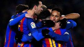 """Гравці """"Барселони"""" підписали футболку для """"Шапекоенсе"""""""