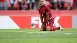 Луис Фабиано дисквалифицирован на 4 матча за невидимый удар арбитра