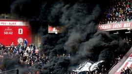 Фанати ПСВ перетворили трибуни на пекло, підірвавши димові шашки