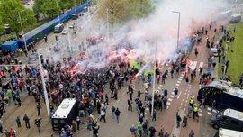 """Фанаты """"Фейеноорда"""" устроили массовые столкновения с полицией из-за поражения команды"""