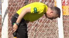 Арбітр матчу Кілмарнок – Данді показав червону картку лайнсмену, якого знудило прямо на полі