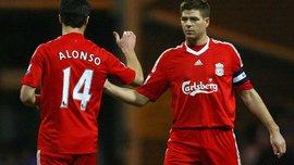 Джеррард эмоционально поздравил Алонсо с завершением карьеры