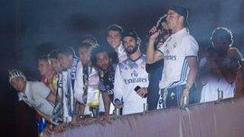 """Я люблю тебя, Реал Мадрид"". Как Роналду пел фанатам, празднуя чемпионство"