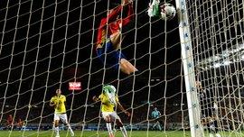 """Пике и Аспиликуэта """"привезли"""" смешной гол в матче Испания – Колумбия"""
