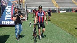 Наставник Кротоне Никола проехал 1300 километров на велосипеде по Италии