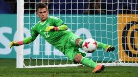 Голкипер Германии U-21 Поллерсбек благодаря шпаргалке парировал удары англичан в серии пенальти на Евро-2017