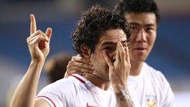 Пато в Китае забил великолепный гол, который довел игрока до слез